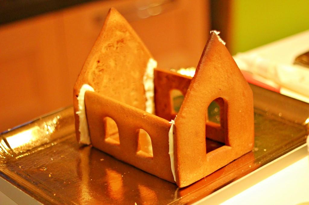 Casetta Di Natale Con Biscotti : Come realizzare una gingerbread house o casetta di pan di zenzero