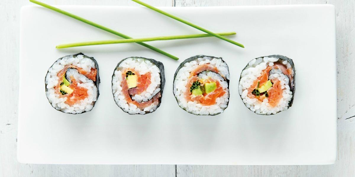 Gli strumenti indispensabili per preparare il sushi - MangiaMondo