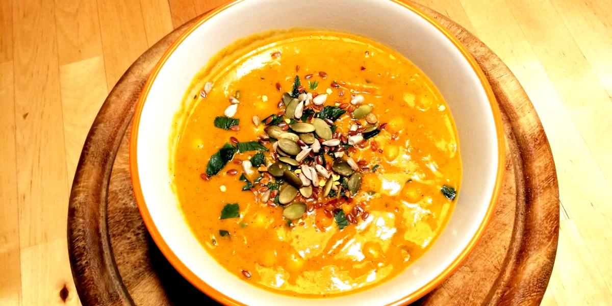 Zuppa piccante di zucca, ceci e cocco al pumpkin spice
